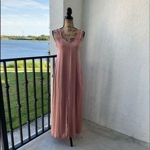 Blush pink maxi dress 👗‼️😍